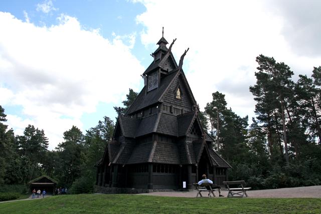 norsk_folkemuseum_stavkirke_3