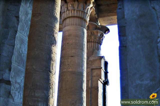 ancient egypt collumns