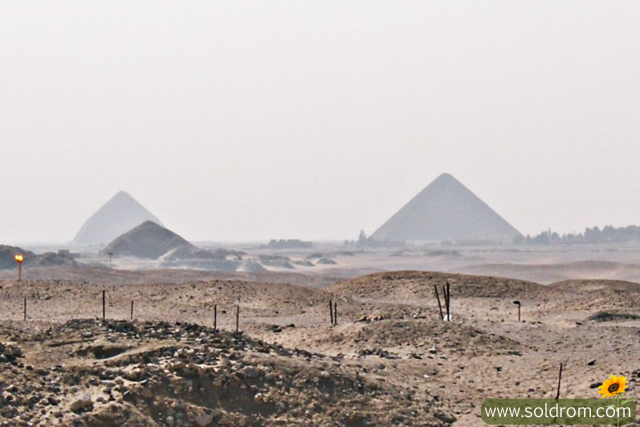 This is Giza, I finally see the pyramids.