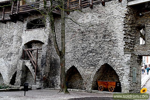 tallinn_medieval_castle