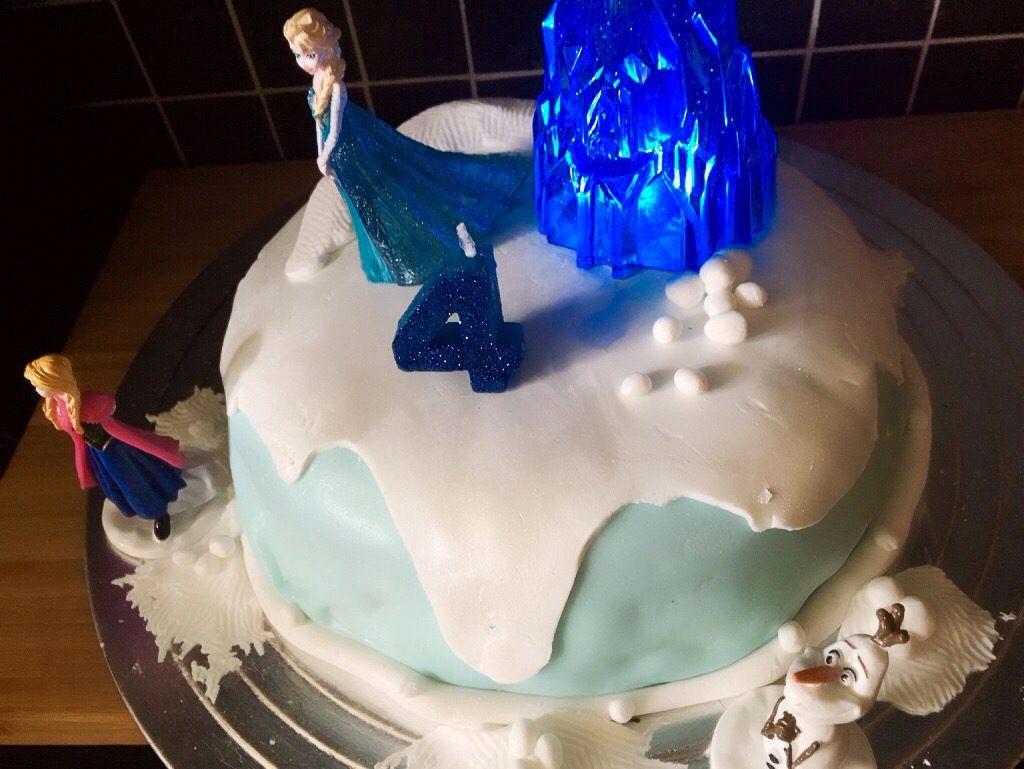 Frozen kake
